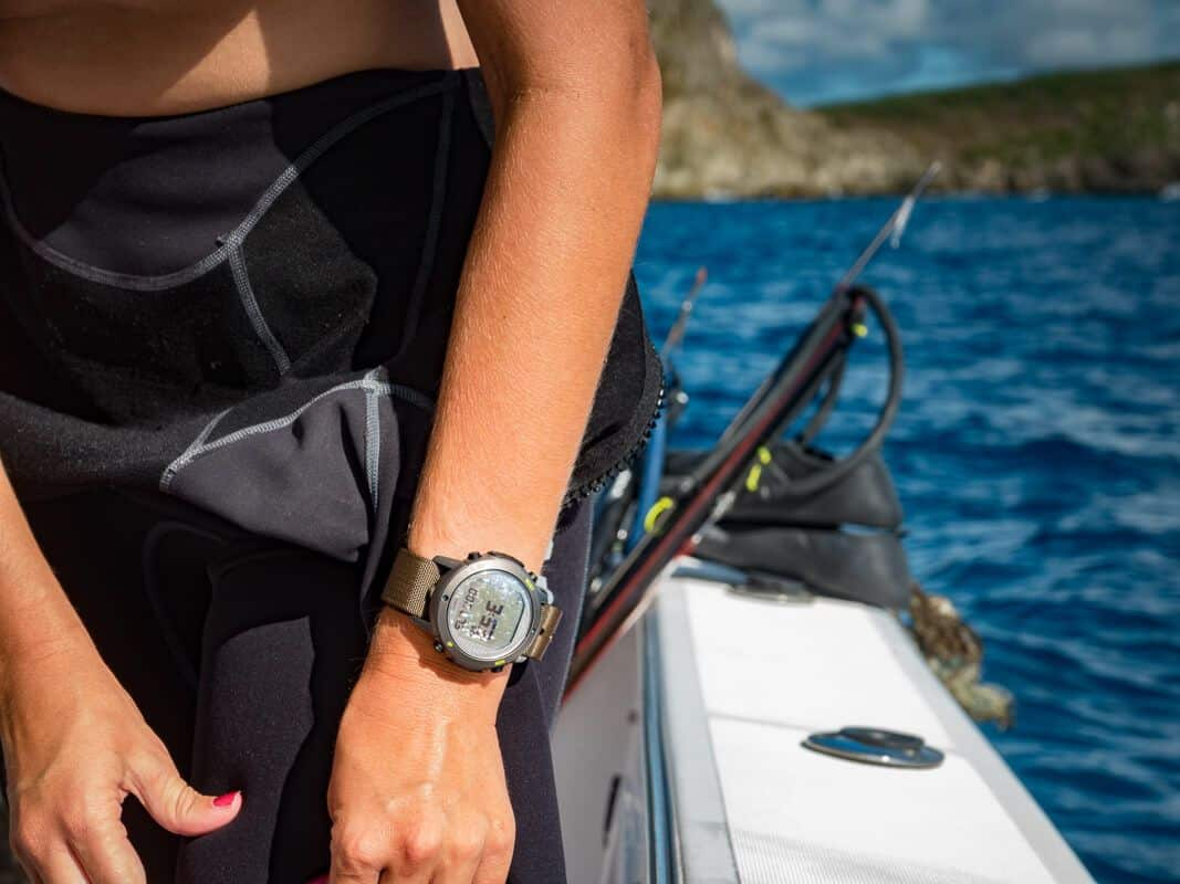 Suunto D6i Novo Stealth Zulu - Spearfishing